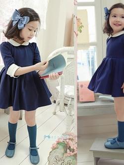 ชุดเด็กเป็นเดรสคอปกตุ๊กตาแขนยาว 5 ส่วน กระโปรงจีบ