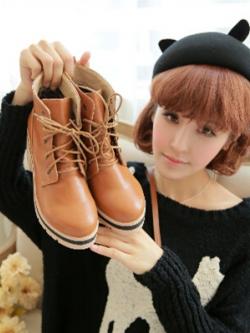 รองเท้าบูทหนังส้นสูงแฟชั่น ดีไซส์ทรงสูง ผูกเชือก แต่งขอบ สไตล์อังกฤษ มี2สี