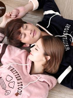ชุดนอนคู่รักเกาหลี สีชมพู/ดำ พิมพ์ลาย มีฮู้ด เสื้อแขนยาว+กางเกงขายาว