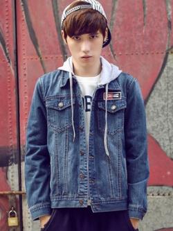 เสื้อแจ็กเก็ตยีนส์แขนยาวเกาหลี สีน้ำเงินเข้ม ดีไซส์กระเป๋าเสื้อ2ข้าง มีฮู้ด