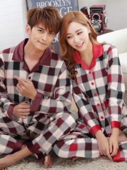 ชุดนอนคู่รักเกาหลี สีแดง พิมพ์ลายสก็อต เสื้อแขนยาว+กางเกงขายาว