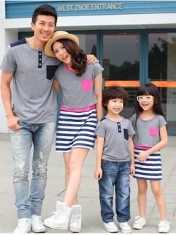 ชุดครอบครัวเซต4ชิ้น สีตามรูป ชายเป็นเสื้อยืด/หญิงเป็นเดรส2ชั้น