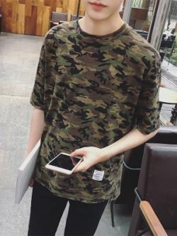 เสื้อแฟชั่นแขนสั้นเกาหลี ลายพรางเขียวทหาร พิมพ์อักษรด้านหลัง