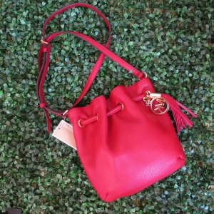 กระเป๋า Michael Kors Pebbled Leather Ring Tote Messenger Crossbody Bag Scarlet