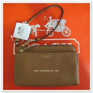 กระเป๋า COACH 51441 LID0E Brindle Saffiano Leather Double L Zip Wristlet Wallet