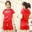 ++สินค้าพร้อมส่งค่ะ++Sport set เกาหลี เสื้อ Jacket แขนสั้น มี hood แต่งแถบที่ไหล่ กระเป๋าสองข้าง+กางเกงขาสั้น มี 3 สีค่ะ – สีแดง thumbnail 1
