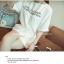 ++สินค้าพร้อมส่งค่ะ++ Jumpsuit กางเกงขาสั้นเกาหลี คอกลม แขนค้างคาว ผ้าชีฟองเนื้อมุกสวย พิมพ์ตัวอักษรด้านหน้า น่ารัก – สีขาว thumbnail 5