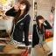 ++สินค้าพร้อมส่งค่ะ++ เสื้อสูท สไตล์เกาหลี เนื้อดี ดีไซด์กลาสี ปักที่กระเป๋าบนอก และมีกระเป๋าคู่ล่าง ขลิบขอบรอบตัวเสื้อ - สีดำ thumbnail 3