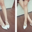 Pre Order - รองเท้าแฟชั่นเกาหลี แบบลำลอง หวาน ๆ เน้นรูปทรงเท้า สี : สีน้ำเงิน / สีเขียว / สีม่วง / สีขาว thumbnail 4