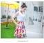 Angel Babie ++สินค้าพร้อมส่งค่ะ++ชุดแฟชั่นเซ็ทเกาหลี เสื้อคอ V แขนกุด ผ้าไหมเนื้อดีสวย+กระโปรงผ้าพิมพ์ลายยุโรปเก๋ – สีขาว thumbnail 3