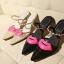 Pre Order - รองเท้าแฟชั่นเกาหลี ซีทรู แบบน่ารัก ส้นสูง สี : สีดำ / สีทอง / สีน้ำเงิน thumbnail 3